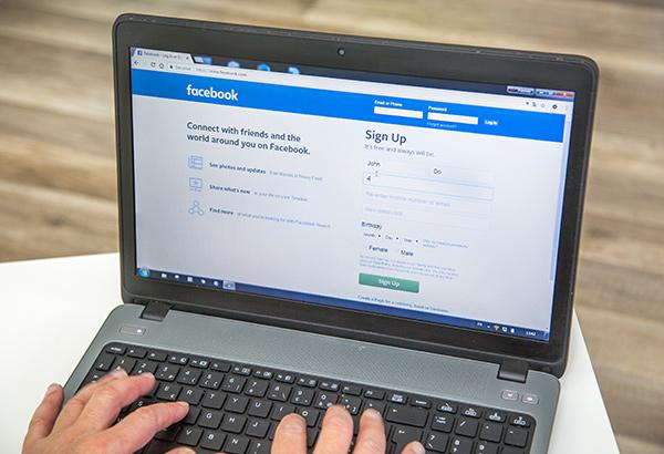 Facebook on Screen