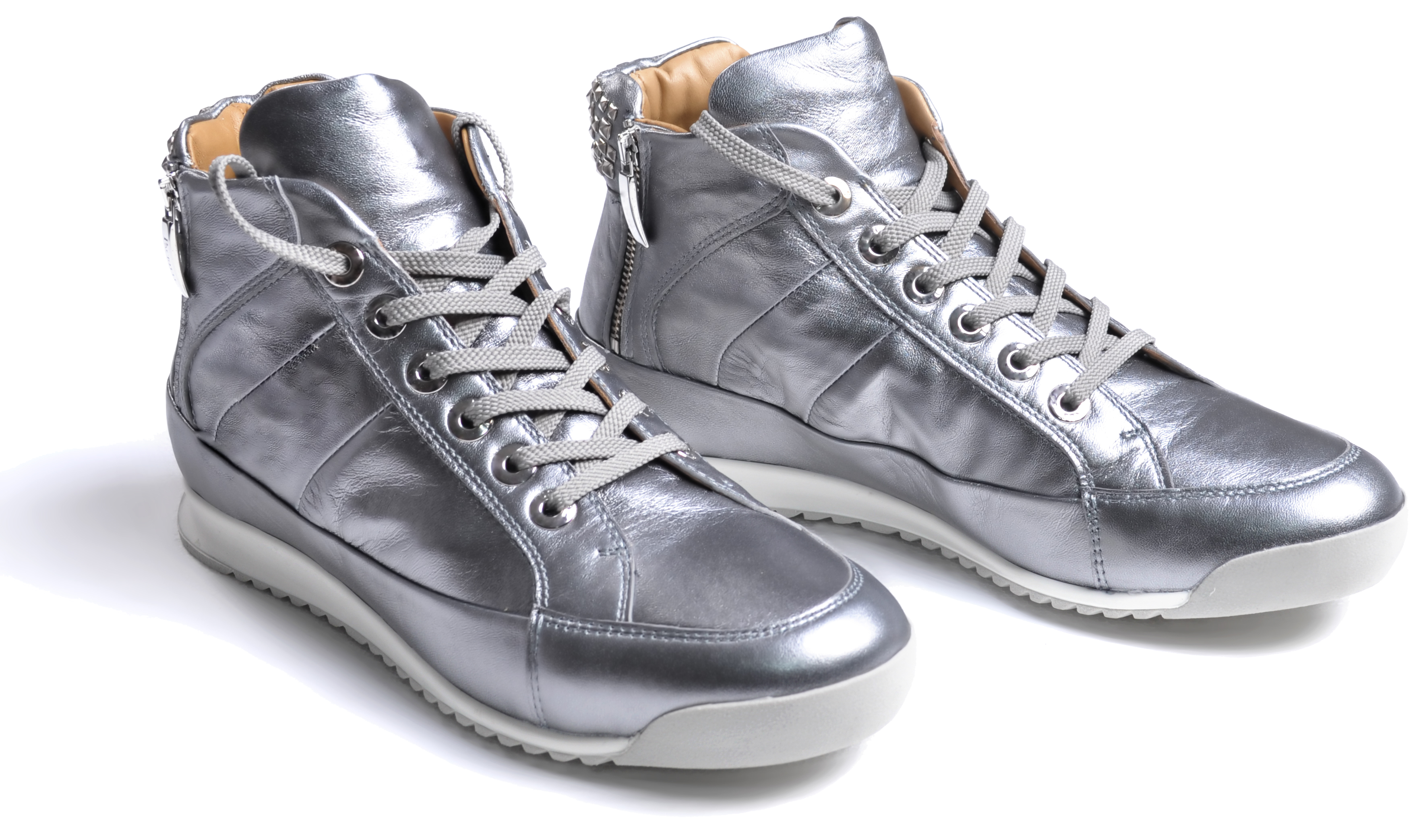 Silver Sneaker.png
